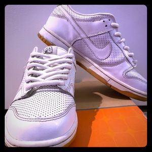 Nike Dunk Low. Youth Size 6/ Women's Size 7.5